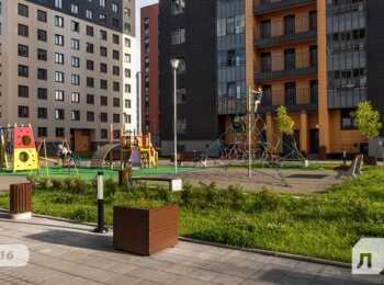 Детская игровая и спортивные площадки